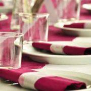 Sitzordnung bei der Hochzeit für eine reibungslose Feier mit Ihren Gästen